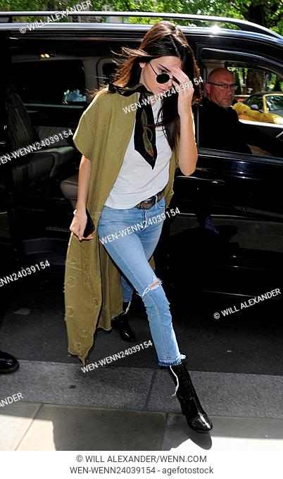 Kim Kardashian and her sister Kendall Jenner head out for lunch together Featuring: Kendall Jenner Where: London, United Kingdom When: 23 May 2016 Credit: Will...
