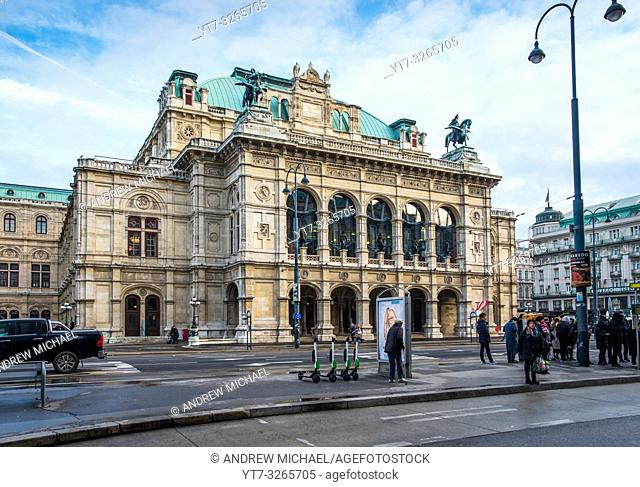 State Opera House on Ringstrasse, Vienna, Austria