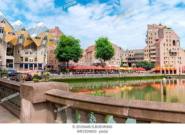 Rotterdams Oude Haven with gastronomy and view o