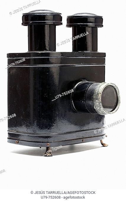 Main opcacas image projector