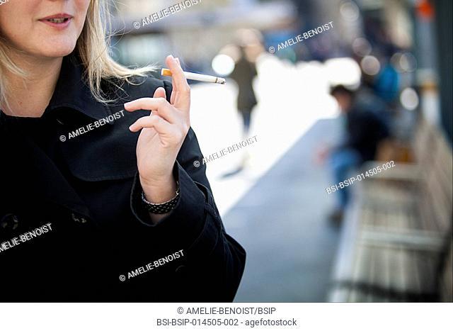 Cigarette and public place
