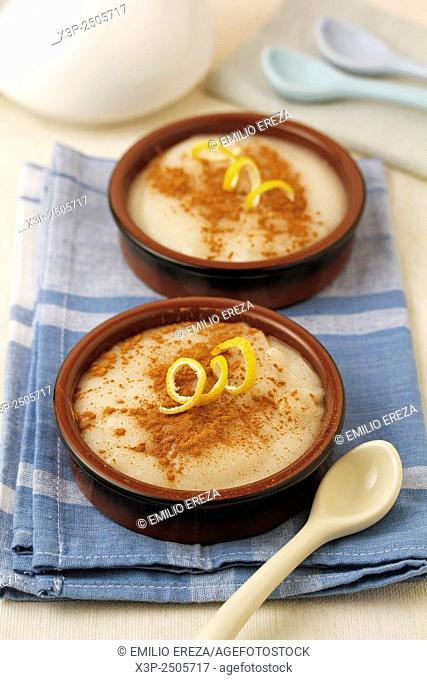 Almond custard (Manjar blanco)