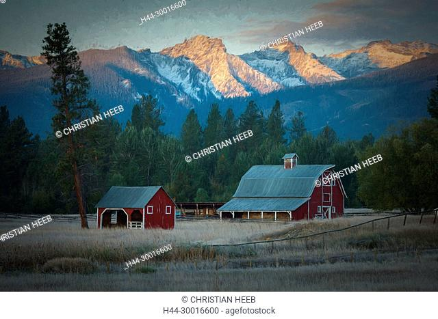 North America, Rocky Mountains, Montana, Bitterroot Valley, farm at sunrise