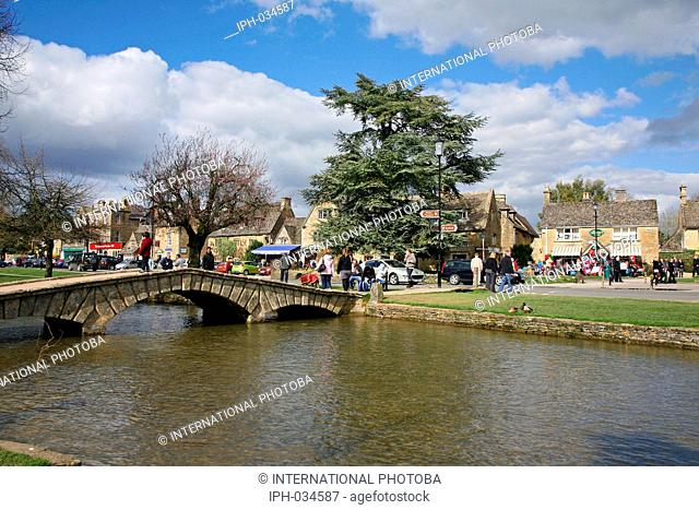 England Gloucestershire Bourton-on-the-Water A popular and sometimes busy tourist village in the heart of the Cotswolds Peter Baker