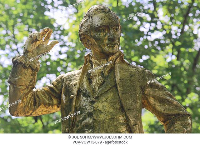 "A gold-covered statue of Thomas Paine is found in the Parc Montsouris along the Boulevard Jourdan in the 14th arr.; the inscription reads: ""Thomas Paine;..."