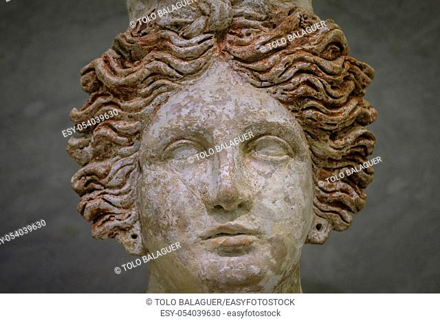 Tanit, busto femenino importado de Sicília, 400-300 a. C, Museo arqueológico de Ibiza y Formentera, Patrimonio de la Humanidad «Ibiza, biodiversidad y cultura»