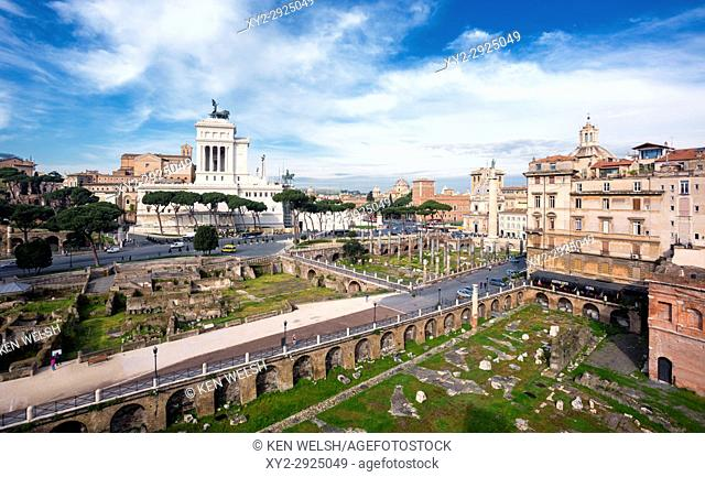 Rome, Italy. Monument to Vittorio Emanuele II, also known as the Vittoriano, seen from Trajan's Forum. The Historic Centre of Rome is a UNESCO World Heritage...