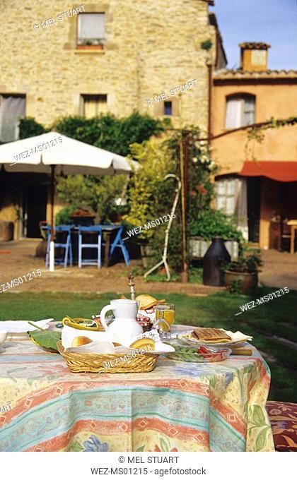 hotel miralluna, peratallada, costa brava, catalonia, spain