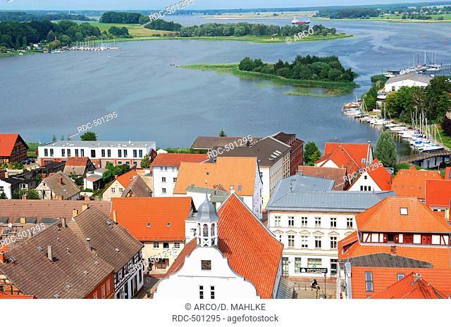 Stadtzentrum mit Peenestrom, Wolgast, Mecklenburg-Vorpommern, Deutschland