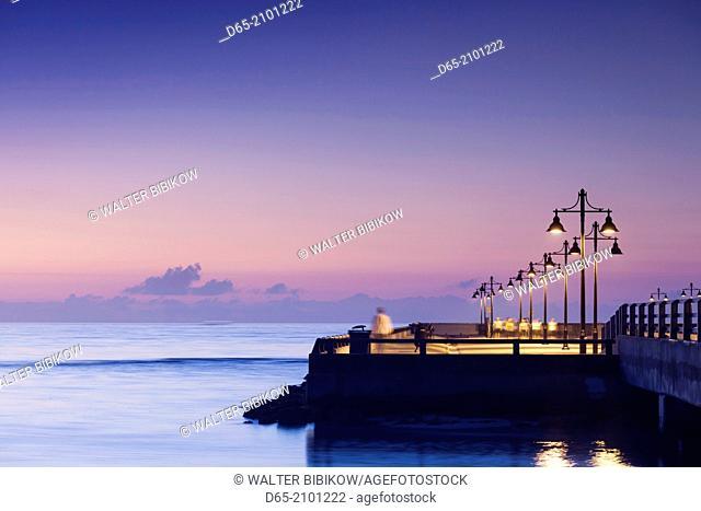 USA, Florida, Florida Keys, Key West, Higgs Beach, White Street Fishing Pier, dawn