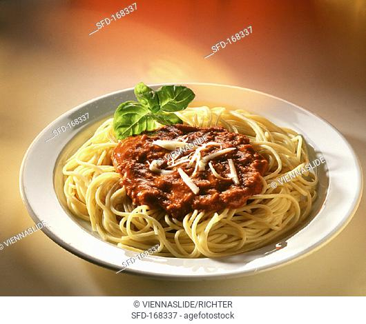 A plate of spaghetti bolognese (1)