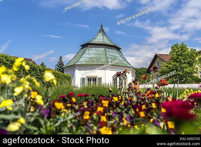 Prälatengarten des Kloster Metten, Niederbayern, Bayern, Deutschland   Metten Abbey gardens, Metten, Lower Bavaria, Germany