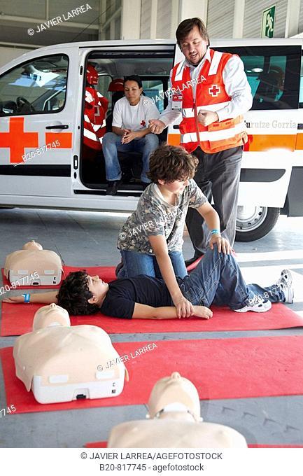 First aid children courses, Mendiexpo fair, FICOBA, Irun, Guipuzcoa, Basque Country, Spain