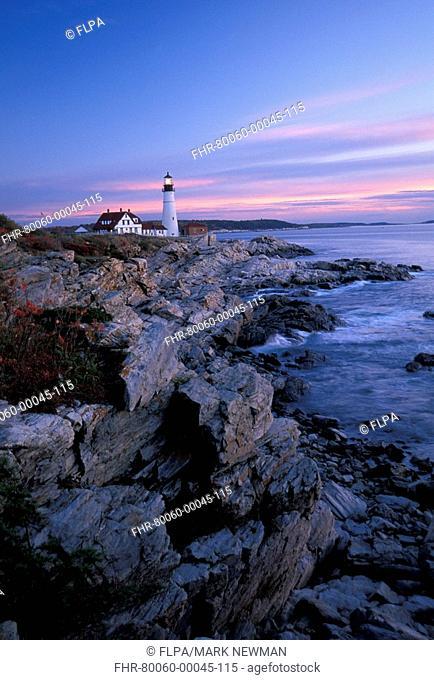 Lighthouse CAL'03 ExpG Portland Head Lighthouse, Maine, USA S