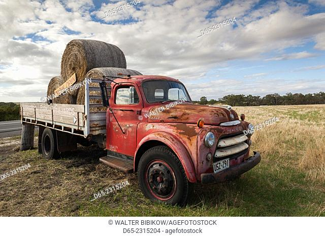 Australia, South Australia, Barossa Valley, Rowland Flat, Moorooroo Park Winery, truck sign