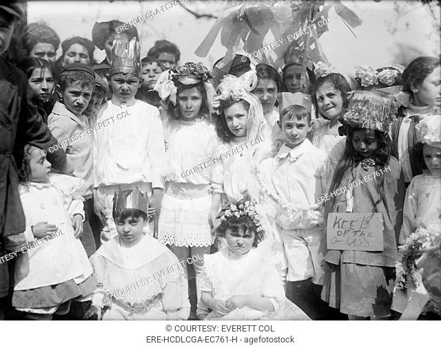 New York City, children on May Day in Central Park, some wear crowns and flowers, May 1, 1908