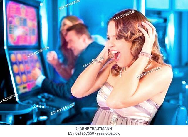 Freunde in Spielcasino