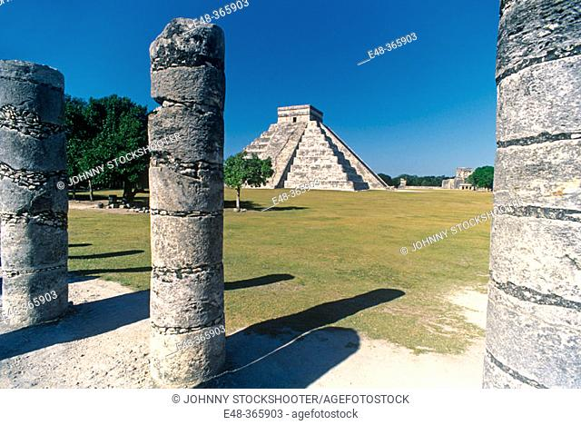 The Castle (Pyramid of Kukulcan), Chichén Itzá. Mexico