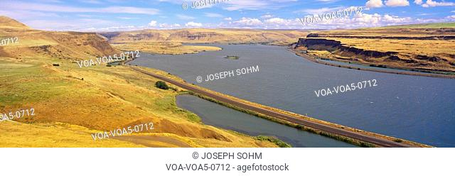 Columbia River in Oregon, viewed from Washington