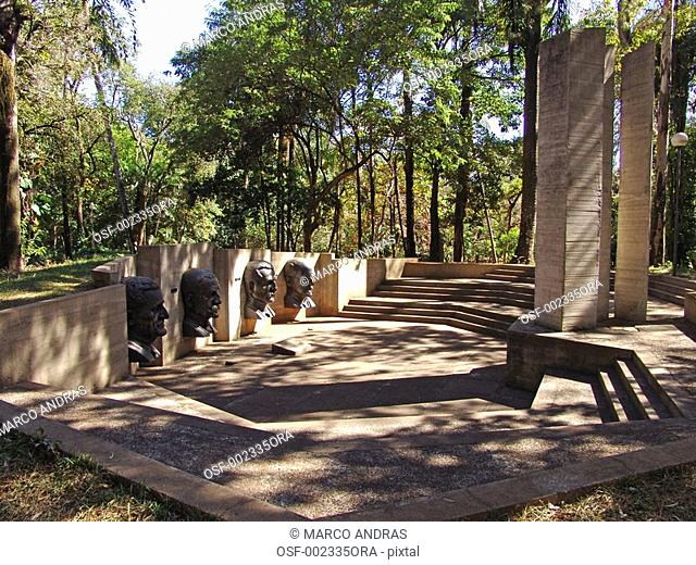 belo horizonte mg monument with a tree area in a park