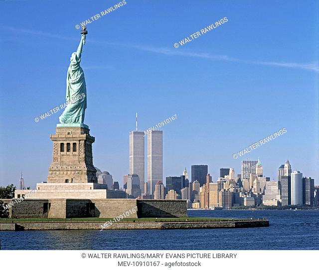 The Statue of Liberty, Hudson River and lower Mannhattan in 1995