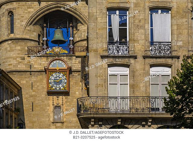 "France, Nouvelle Aquitaine, Gironde, """"Grosse Cloche"""" on the Saint Eloï's gate at Bordeaux"