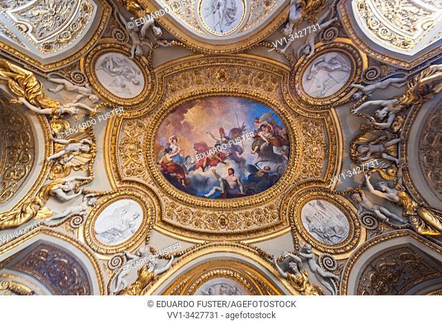 Detail of the ceiling in the Musée d'Louvre (Louvre Museum), Paris, France