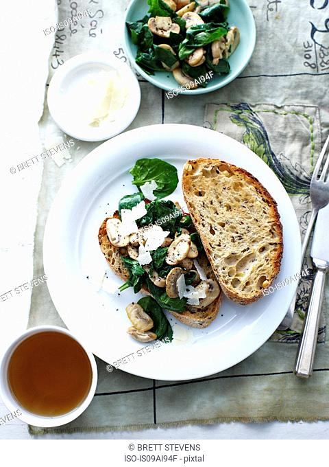 Mushroom and spinach sourdough