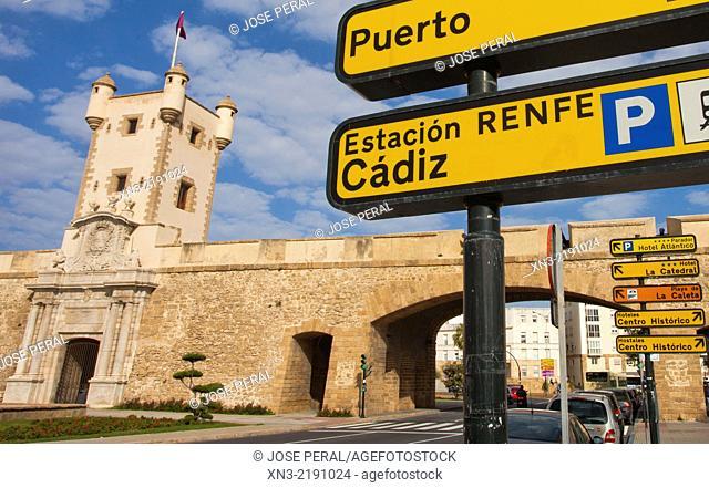 Puerta de Tierra 'The Land Gate' This marble monument was designed by Torcuato Cayon in the eighteenth century, city walls, Plaza de la Constitución, Cádiz City