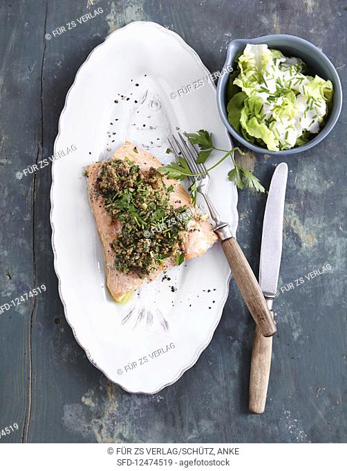 Fish fillet with a herb crust (low carb)