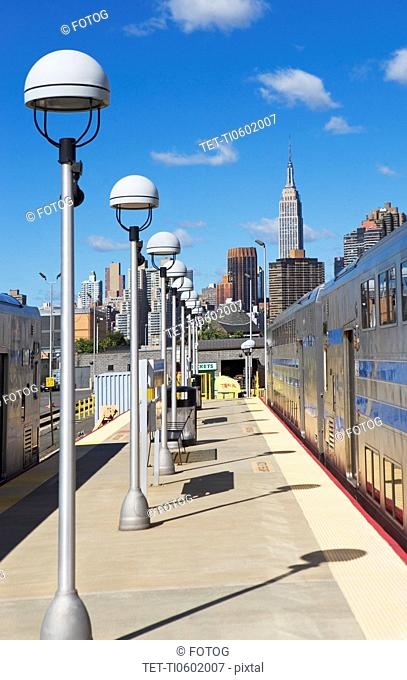 USA, New York City, Platform