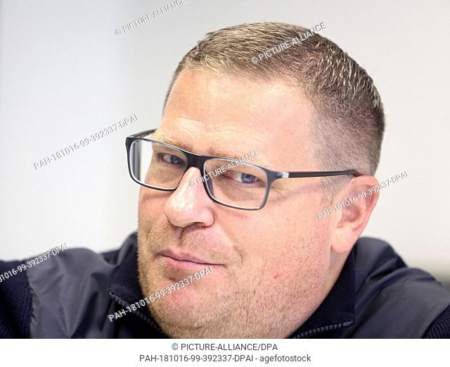02 October 2018, North Rhine-Westphalia, Moenchengladbach: Max Eberl, Sports Director at Borussia Mönchengladbach, answers questions from a journalist
