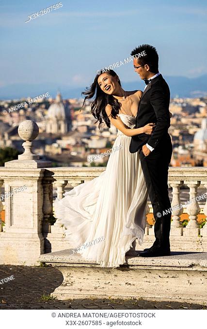 Wedding couple at Gianicolo. Rome. Italy