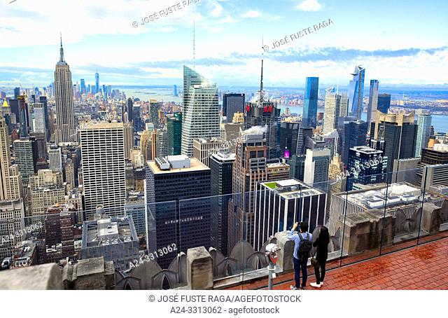 USA, New York City, Manhattan, Midtown Skyline