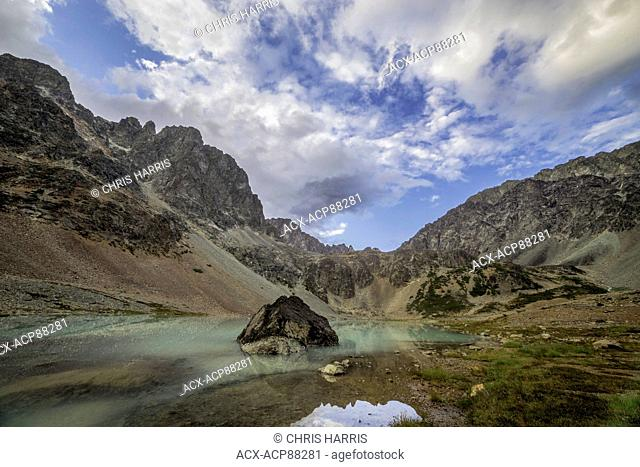 Canada, British Columbia, Chilcotin, alpine lake, Niut Range, Coast Mountains