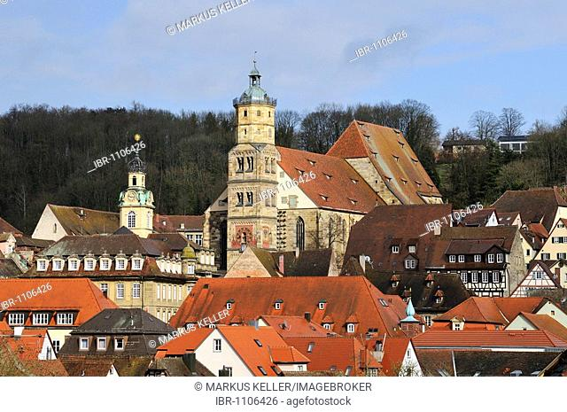 View over the historical town centre of Schwaebisch Hall with the Church of St. Michael, Schwaebisch Hall district, Baden-Wuerttemberg, Germany, Europe