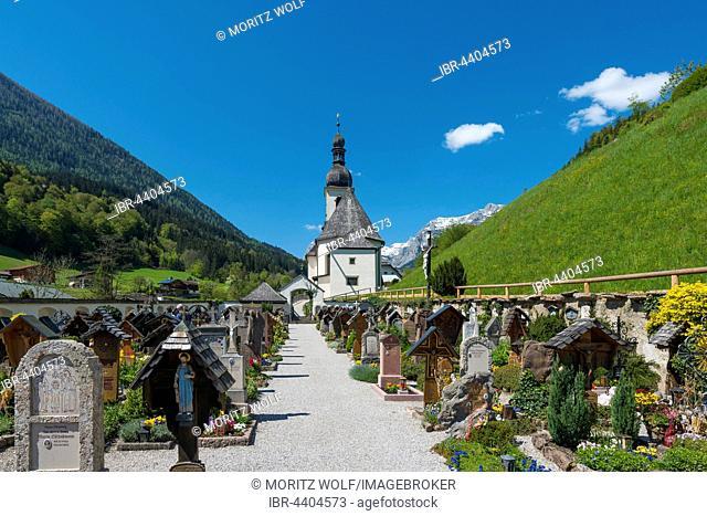 Pfarrkirche St. Sebastian, parish church cemetery, Ramsau, Berchtesgadener Land, Upper Bavaria, Bavaria, Germany