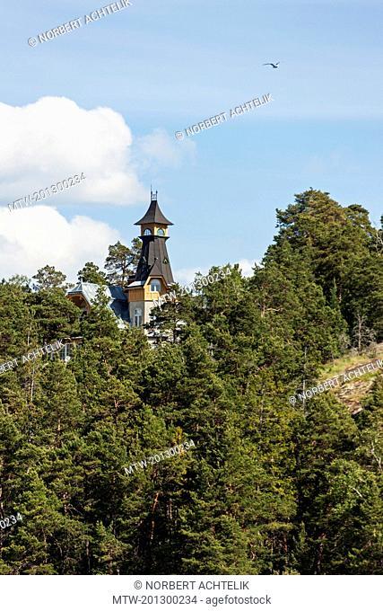 Villa on hill, Velamsund, Stockholm, Sweden