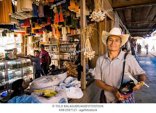 tienda de velas y ofrendas, Lancetillo, La Parroquia, zona Reyna, Quiche, Guatemala, Central America