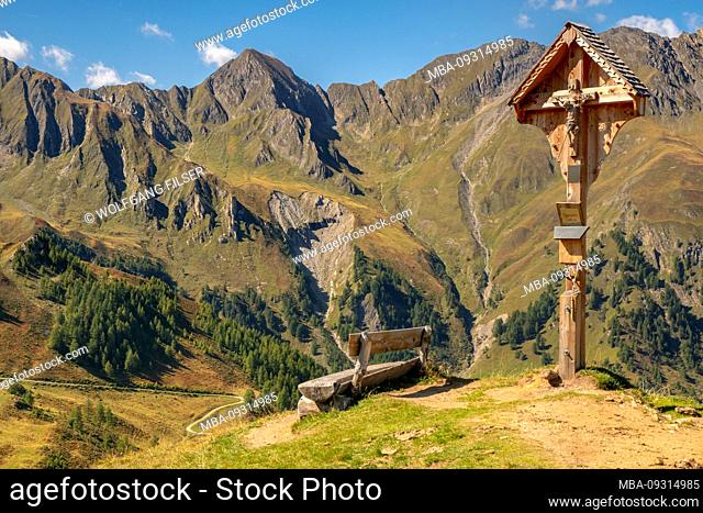 Hike to the summit of Eggespitz 2187 m in South Tyrol