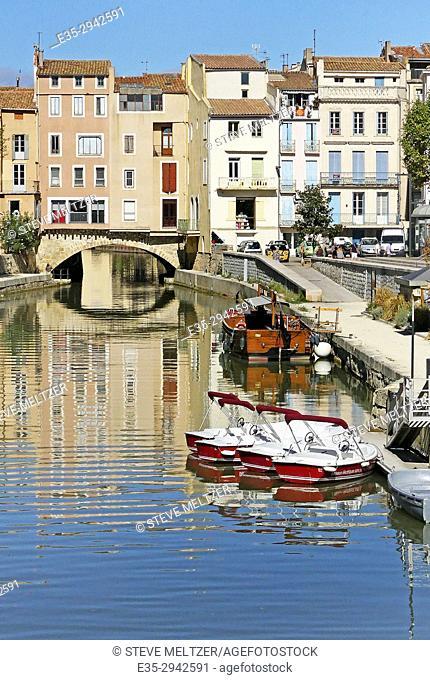 The Pont des Marchands, a bridge of shops that crosses the Canal de la Robine in Narbonne, France