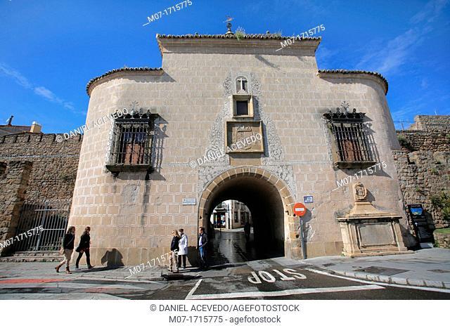 Puerta de Trujillo town gate, Plasencia, Caceres, Extremadura, Spain
