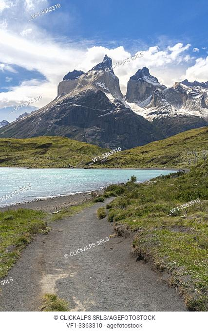 The trail that leads to Mirador Cuernos, with Nordenskjold Lake and Paine Horns, in summer. Torres del Paine National Park, Ultima Esperanza province