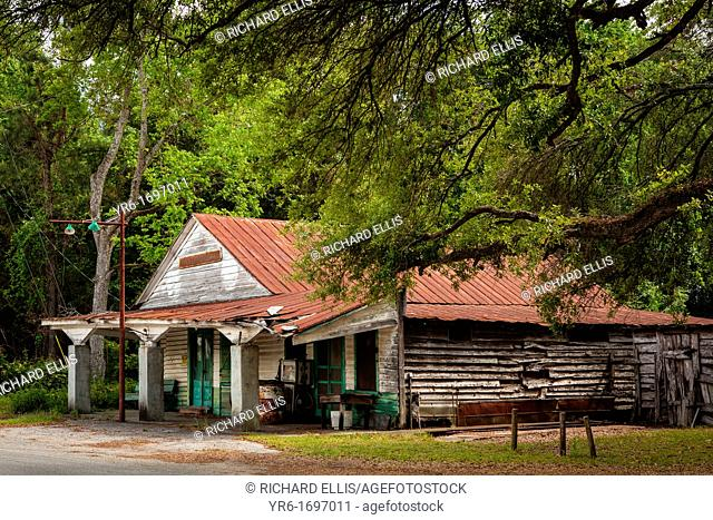 Old derelict general store in the rural farm town of Dorchester, South Carolina