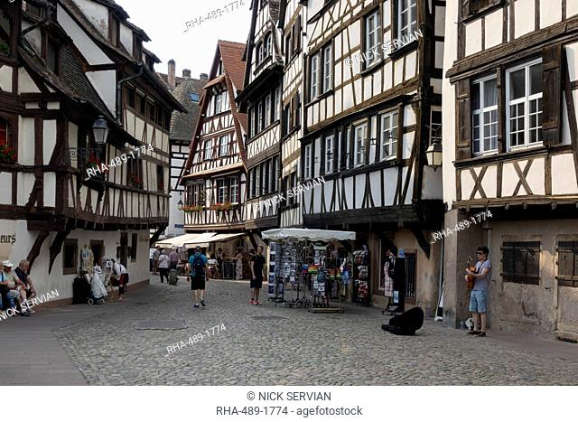 Petite France, UNESCO World Heritage Site, Strasbourg, Alsace, France, Europe