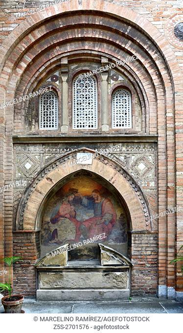 Courtyard of Pilate, Santo Stefano basilica, Bologna, Emilia-Romagna, Italy, Europe