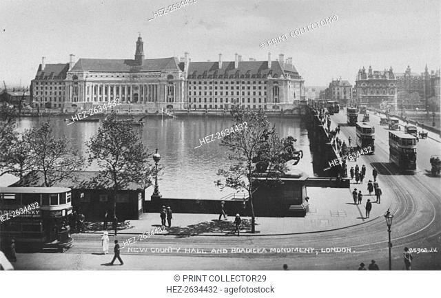 'New County Hall and Boadicea Monument, London', c1925 Artist: Unknown