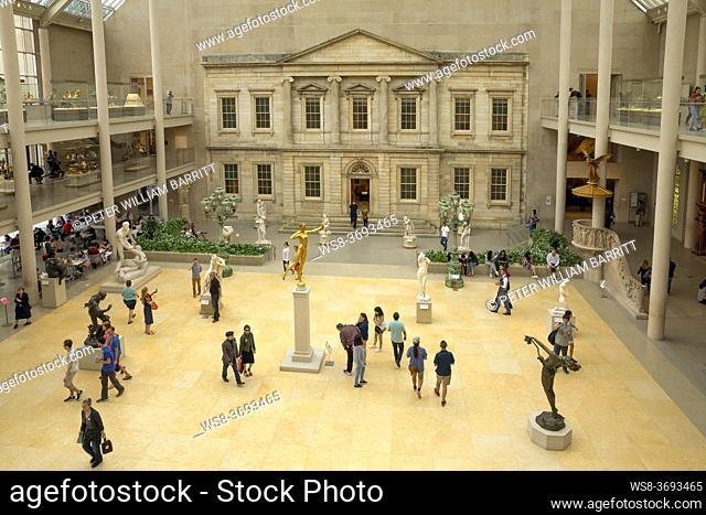 Courtyard of the American Wing, Metropolitan Museum of Art, Manhattan, New York City, USA, North America