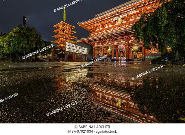 Asia, Japan, Nihon, Nippon, Tokyo, Taito, Asakusa, Sens?-ji temple complex with pagoda