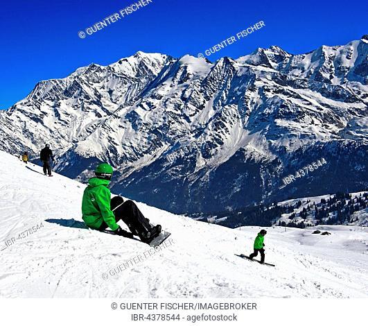 Snowboarder at Les Contamines-Montjoie ski resort, Haute-Savoie, France